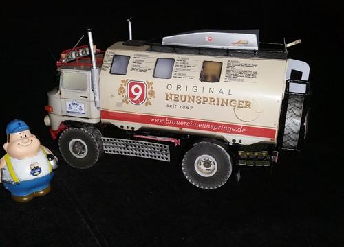 "IFA LKW W50 LA/A/C ""Expedition"" 4x4 gebaut aus Papier in 1:18"