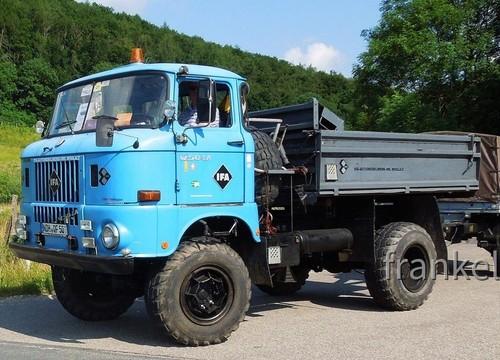 W50 mit Schlafwagen.