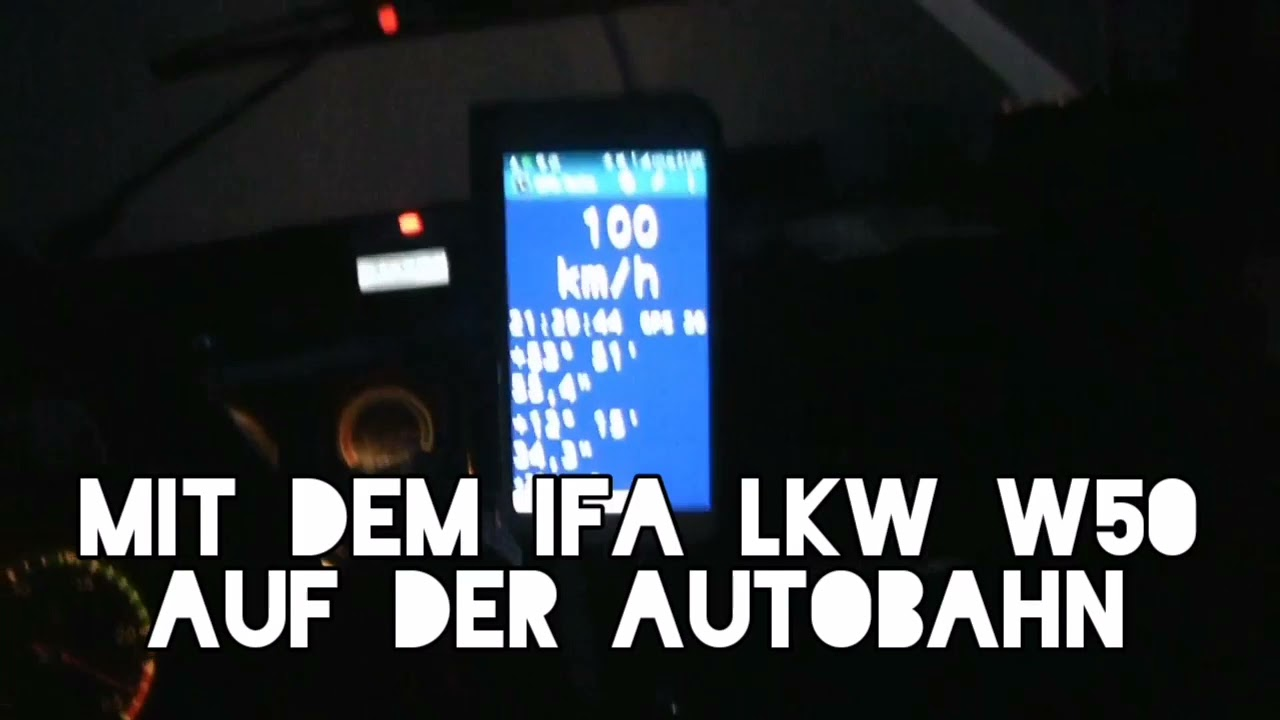 Mit dem IFA LKW W50 auf der Autobahn.