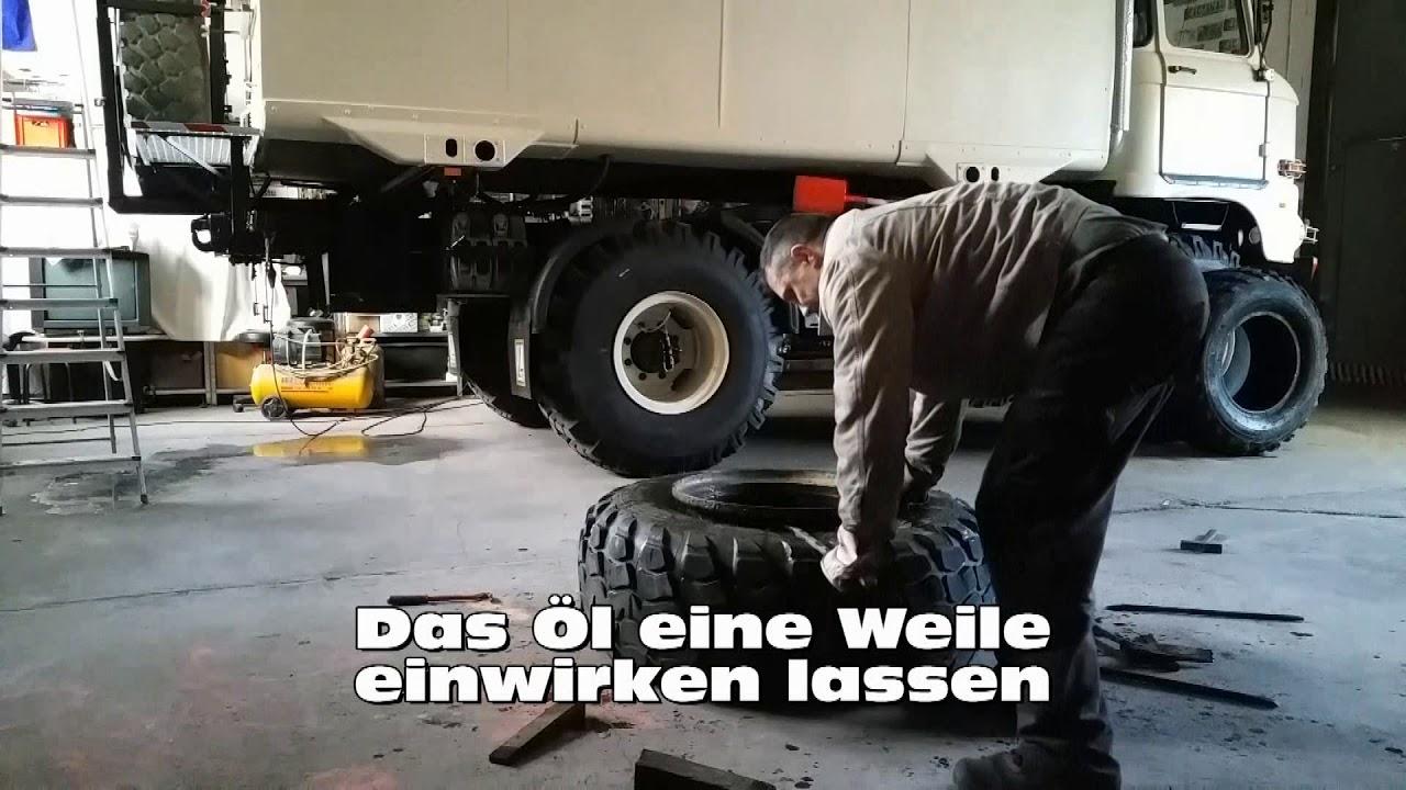 IFA LKW W50 - Reifen von Felge abziehen