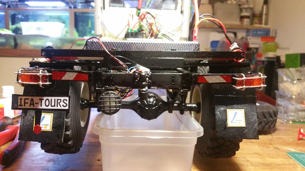 Modell IFA LKW W50 - Funktionsprobe Rücklicht